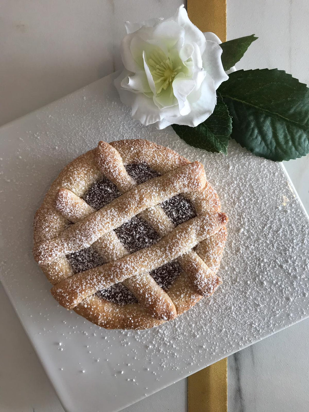 Mini Crostata alla Nutella (Nutella Shortbread Pie)