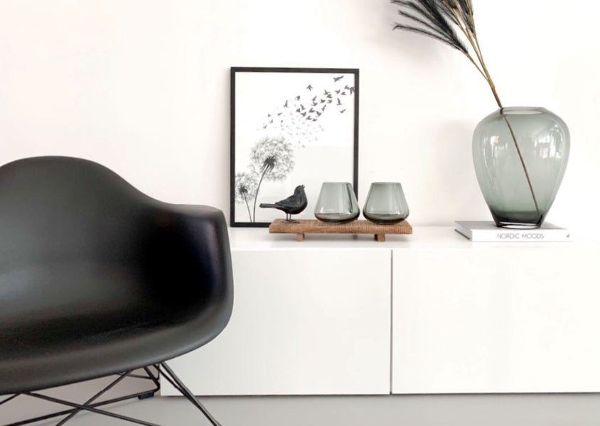 How to use black and white posters in your interior