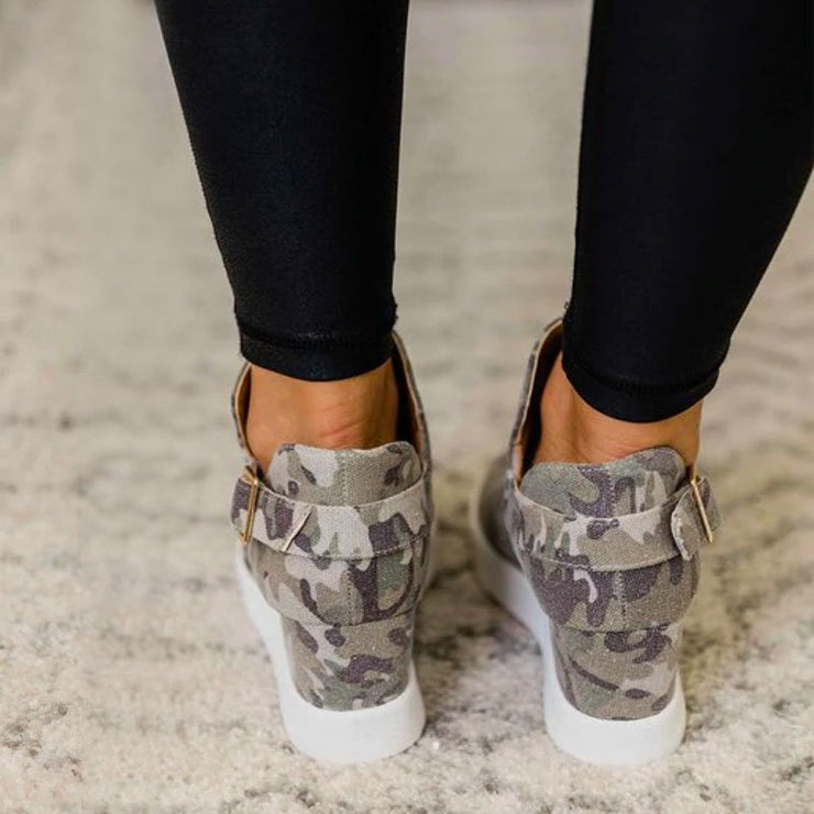 Pi Clue Camouflage Wedge Heel All Season Sneakers