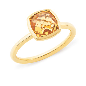 CITRINE BEZEL SET COLOURED STONE DRESS RING IN 9CT YELLOW GOLD TDW N/A