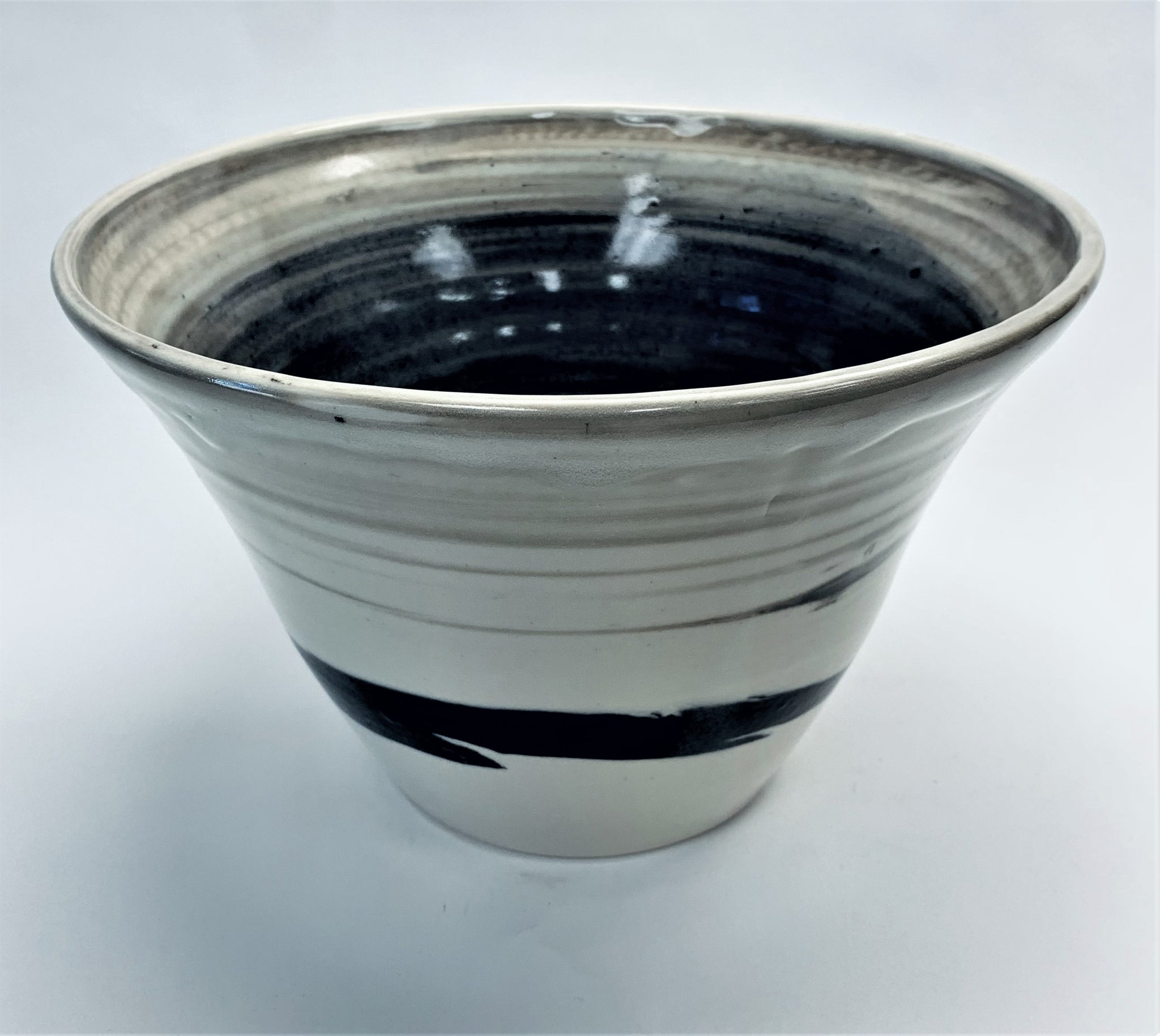 Large Cone Bowl Swirled Black & White