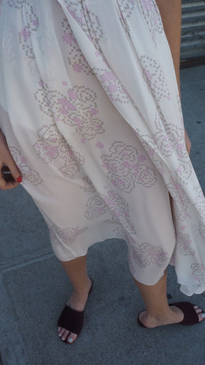wrap dress / rose cross-stitch / white