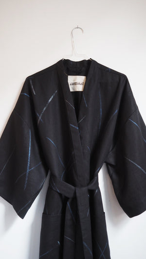 ROBE / blue grass on black