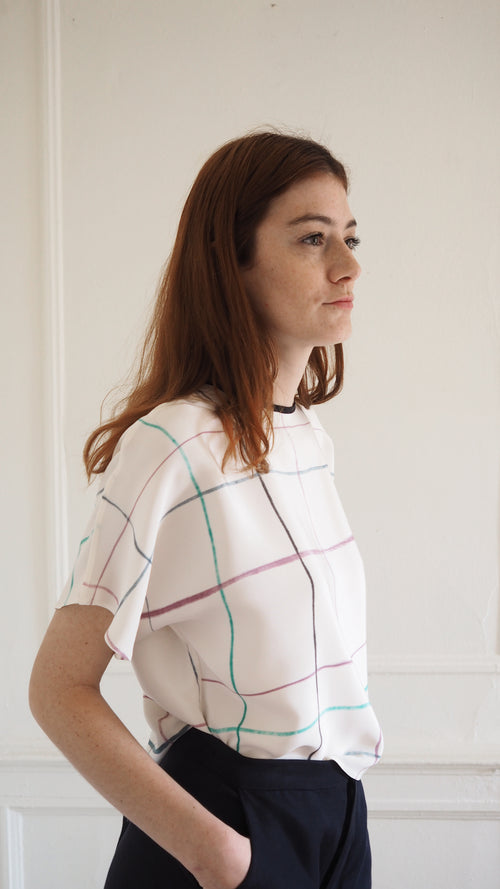 t-shirt top / multi grid / off-white