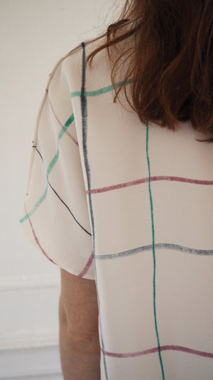 SILKY TEE / multi-grid on milk