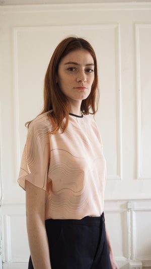 t-shirt top / dunes / blush