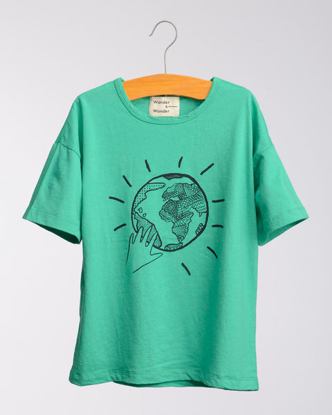 Wander and Wonder Globe Tee Green