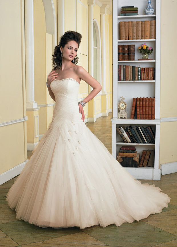 Y2700 Sophia Tolli wedding dress