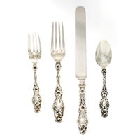 Lily Sterling 4 Piece Dinner Size Setting with Blunt Blade Knife