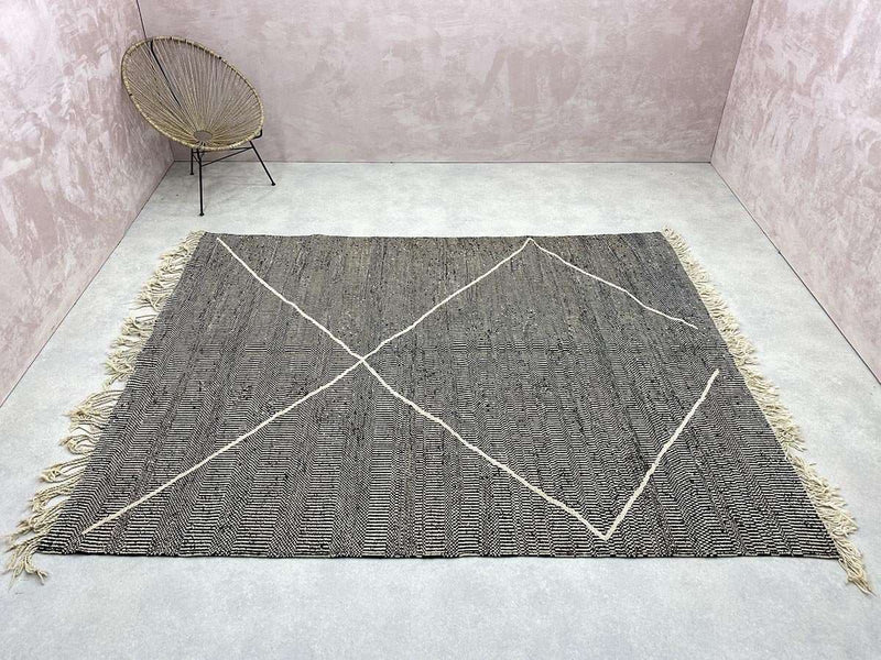 Tapis Kilim - Scaley - 7.25 x 9.25 ft / 2.21 x 2.82 m