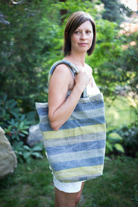 Vintage meets modern with this heavy duty canvas bag | www.bowlandpitcher.com #tote #canvasbag