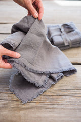 handmade soft linen napkins with frayed edges #linen #linennapkins