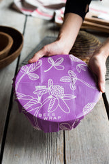 Bee's Wrap is a reusable food wrap that is the natural alternative to plastic #beeswrap #foodwrap