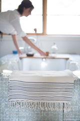 100% cotton Turkish Towel | www.bowlandpitcher.com | #turkishtowl #bathtowel #hamman