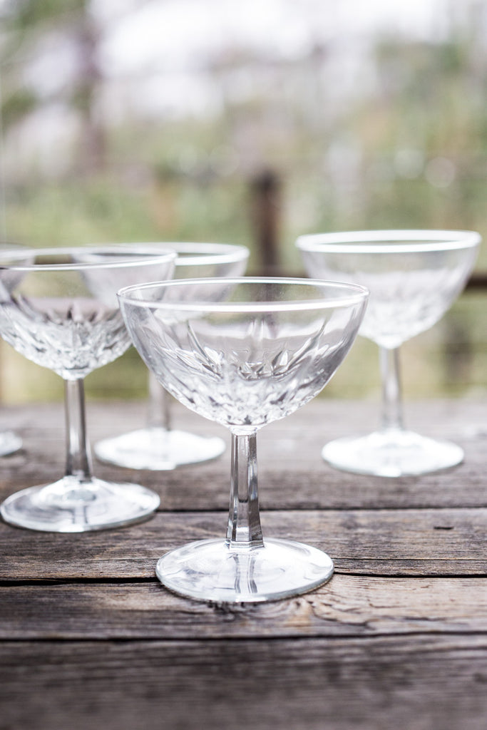 Retro Champagne Coupes for that special dinner party! #Champagnecoupes #champagne #madmen
