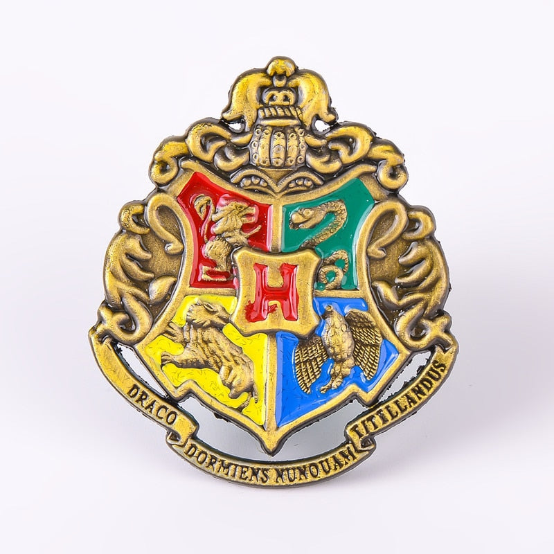 HARRY POTTER Hogwarts School Badge Pins Brooch Gryffindor Ravenclaw Slytherin Hufflepuff Cosplay Props