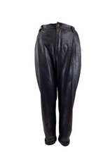 Indlæs billede til gallerivisning BLACK COLOUR Buks DANTE LEATHER LOOK PANT