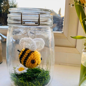 Wooly Wibbly Wobbly Bee in A Jar