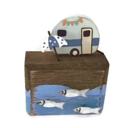 Shoeless Joe Seaside Caravan with Fish Ornament