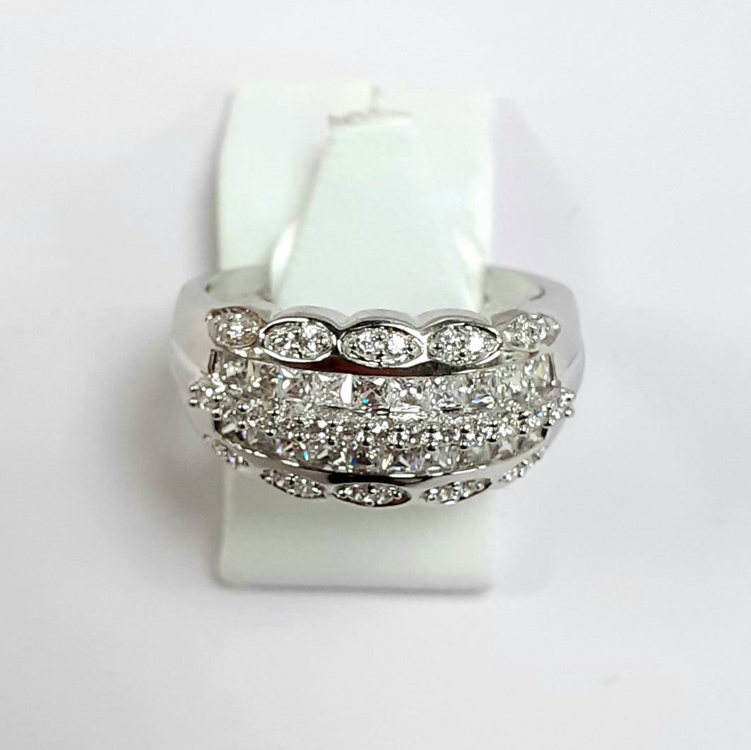9ct White Gold Hallmarked Cubic Zirconia Ring - Product Code - L948
