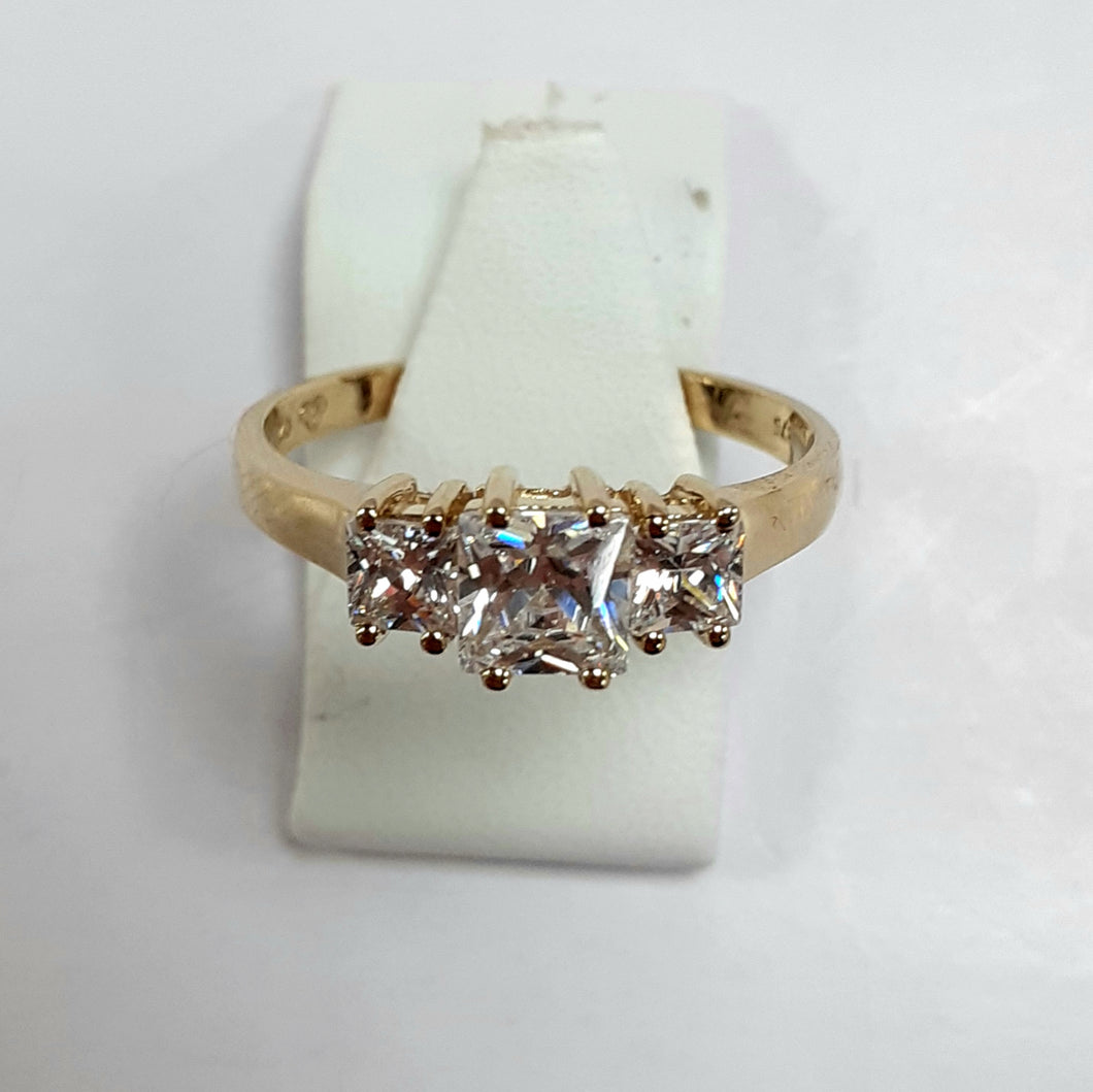 9ct Yellow Gold Hallmarked Ladies Cubic Zirconia Ring - Product Code - VX793