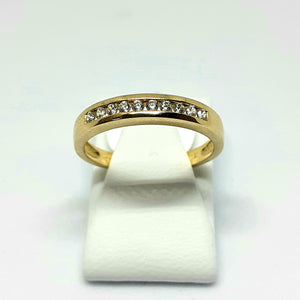 9ct Yellow Gold Hallmarked Stone Set Ring - Product Code - VX472