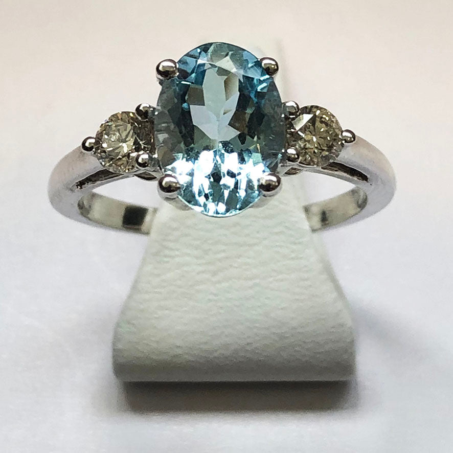 Diamond and Aquamarine White Gold Oval Ring