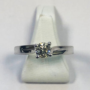 Diamond White Gold Solitaire Ring