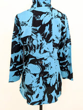 Load image into Gallery viewer, Habitat TRAVEL FLORAL JACKET
