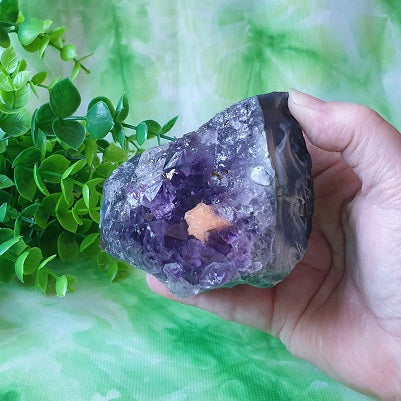 Amethyst with Calcite Cluster & Agate Base  – (ID: crn9)