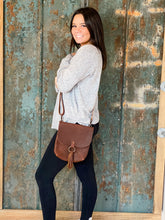 Load image into Gallery viewer, Allie Crossbody in Worn Saddle