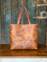 Load image into Gallery viewer, Medium Jenny Two Tone Tote-English Tan Harvest