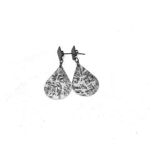 Metallic Rock and oxidised teardrop earrings