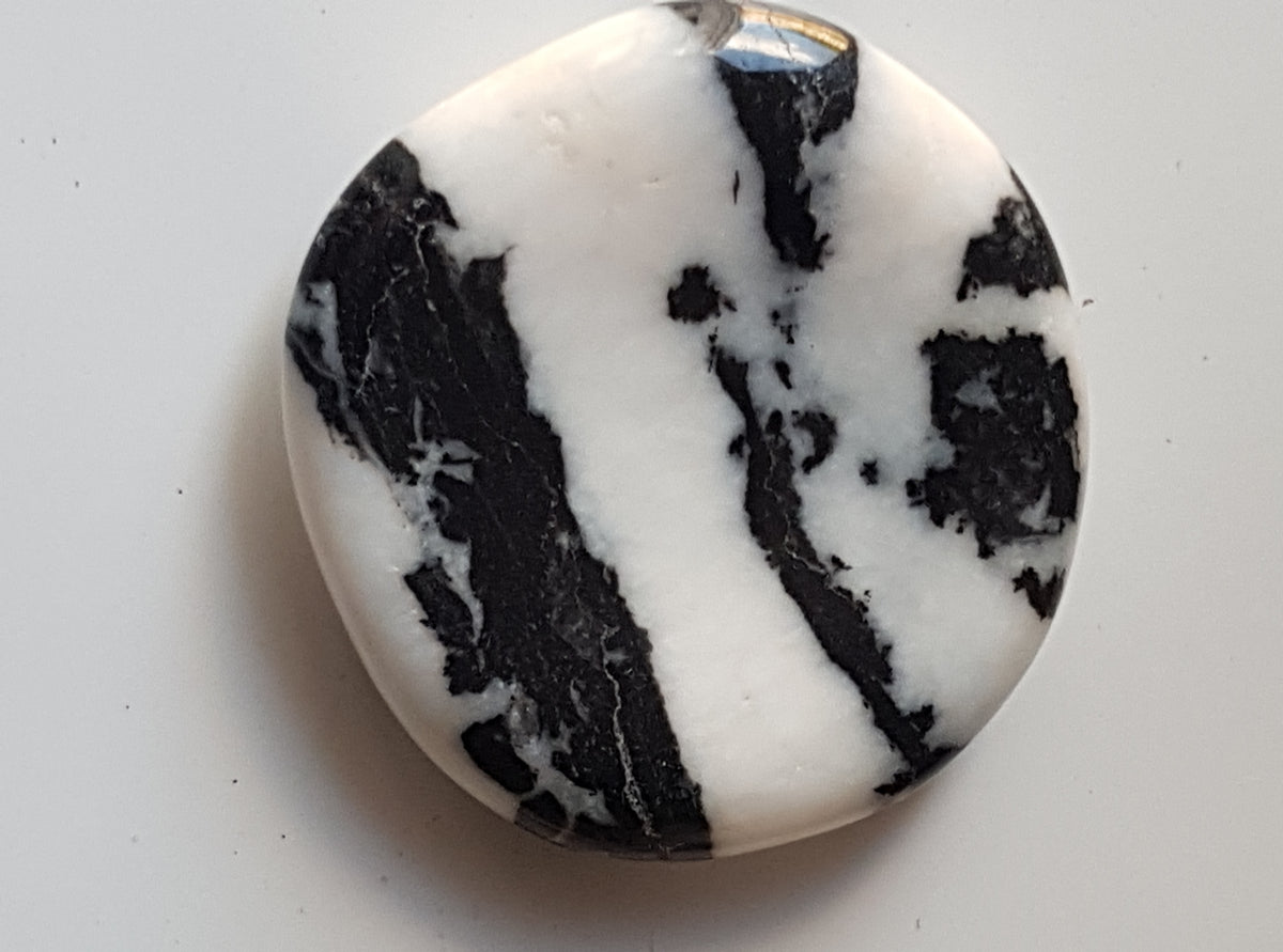 Zebra jasper worrystone - The Science of Magic