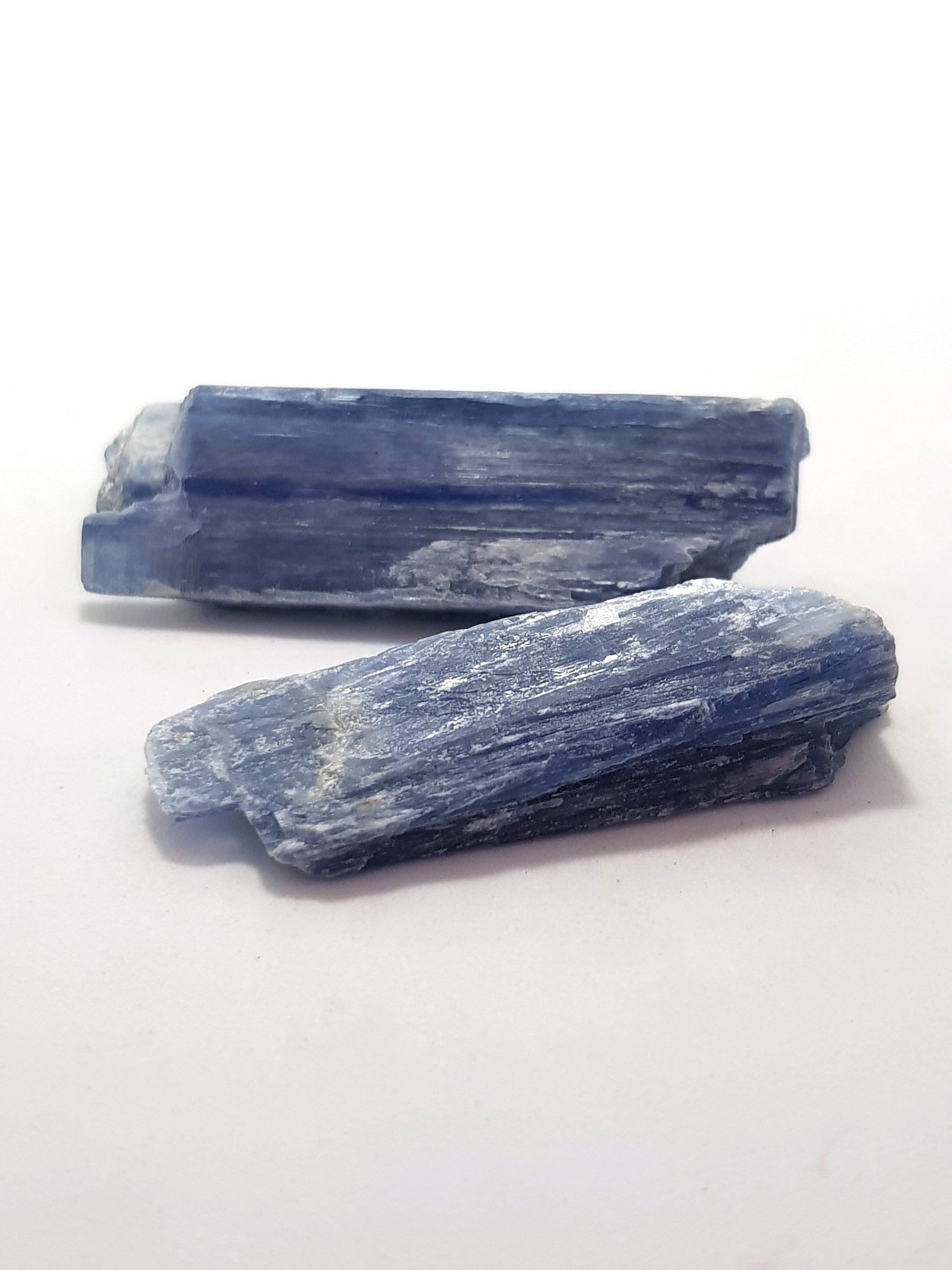 blue kyanite. These have well defined cleavage