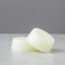 Load image into Gallery viewer, SILK AND SHINE VEGAN CONDITIONER BAR