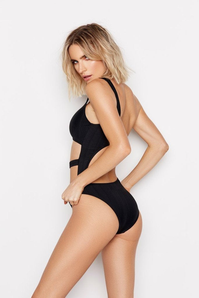 Mykonos One Piece Black