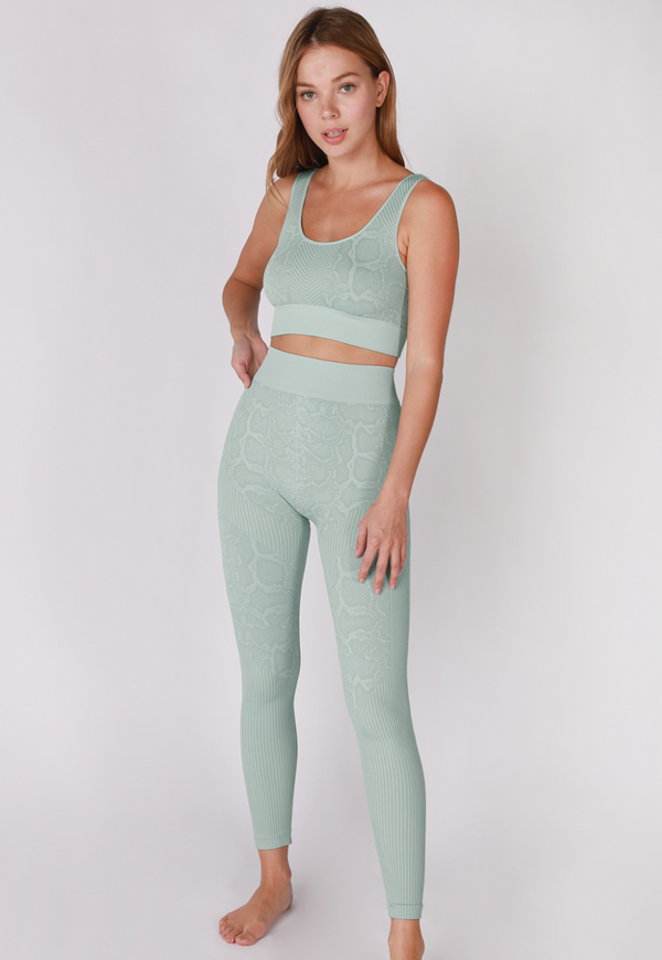 The Cairo Seamless Set in Moonstone