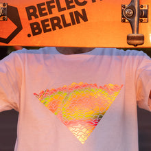 Laden Sie das Bild in den Galerie-Viewer, Reflective T-SHIRT - Flow (white)
