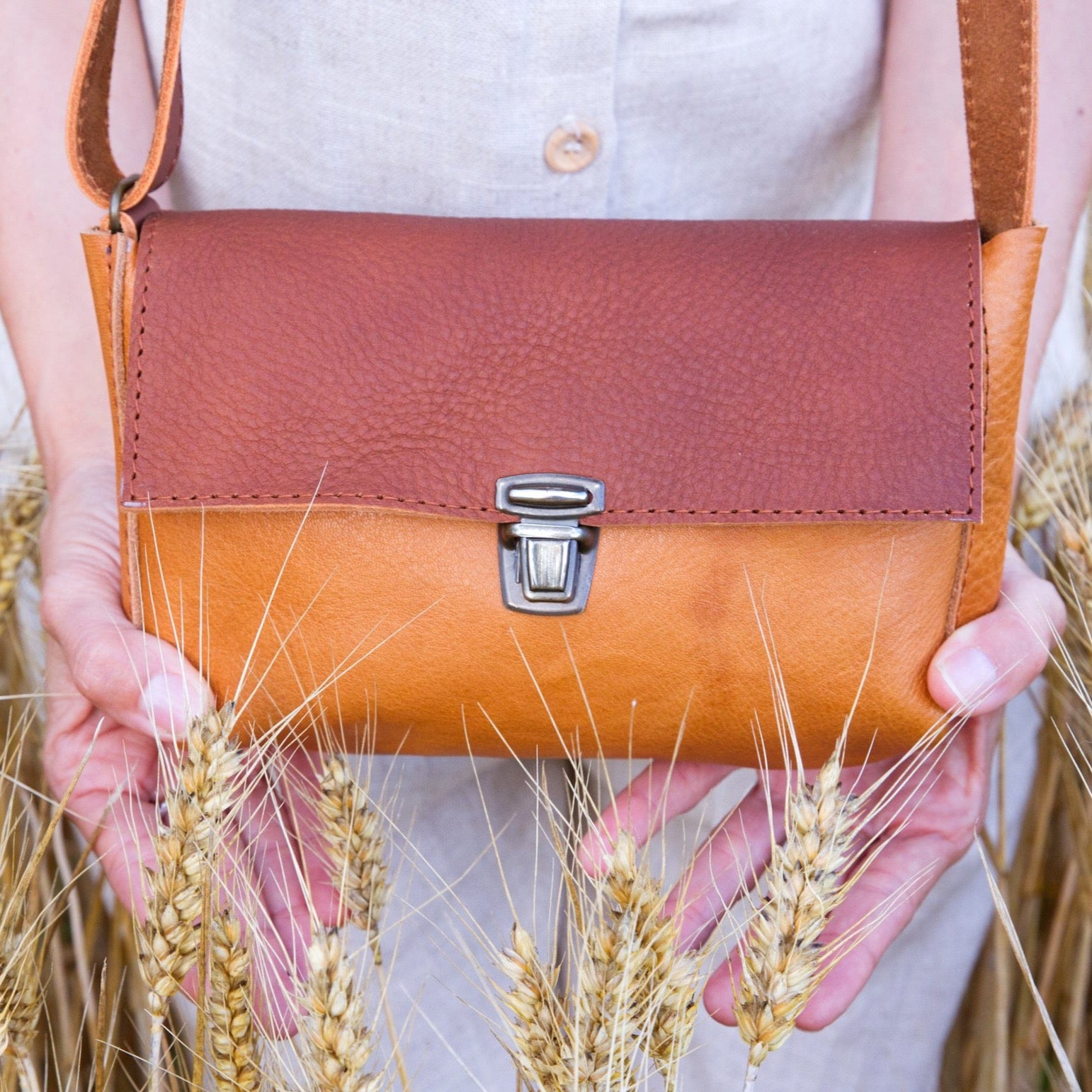 Crossbody bag brown