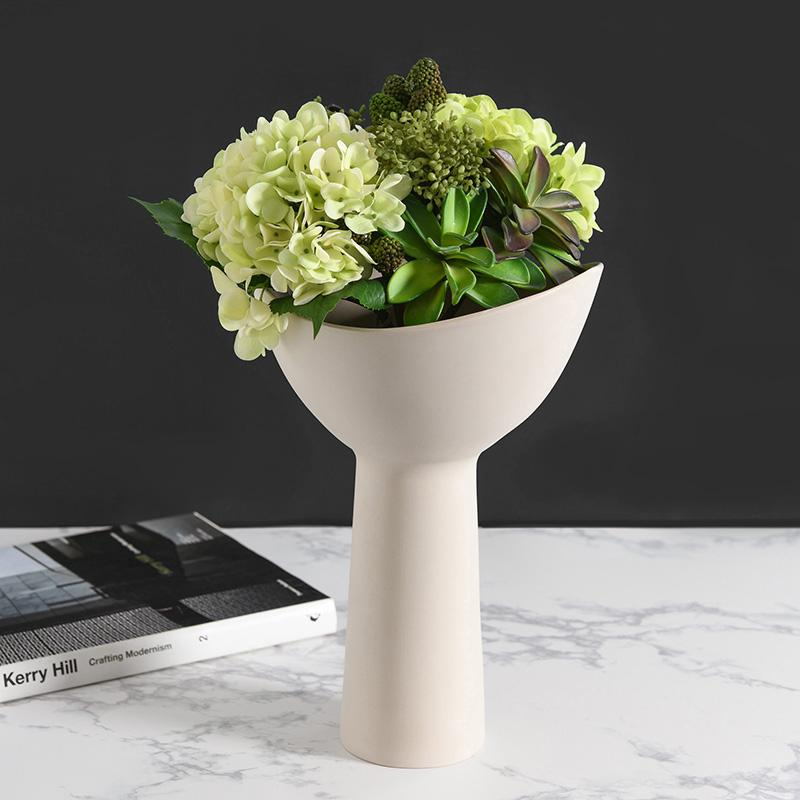 Minimalist Light Luxury Ceramic Flower Pot HGHOM