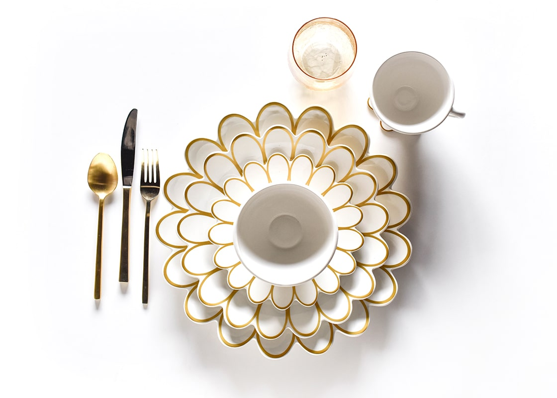 Gold Scallop Edge Dinner Plate