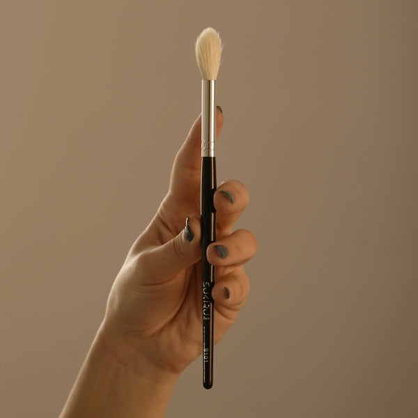 Small Round Fluffy Face Brush | B101