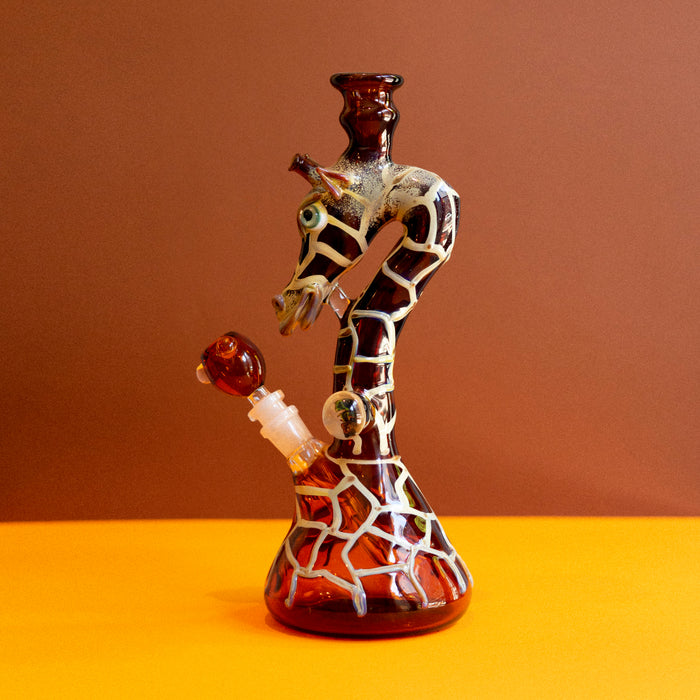 Giraffe Water Pipe