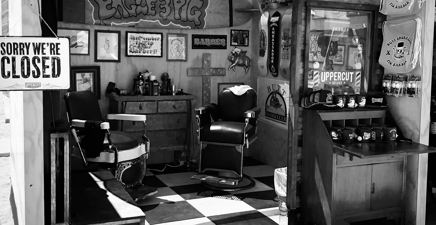 Barbershop with closed sign