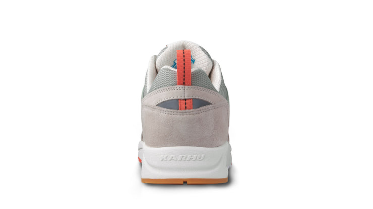 karhu - fusion2 - rainy day_ back view