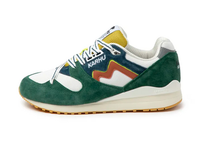 karhu - synchron spruce sneakers - side view