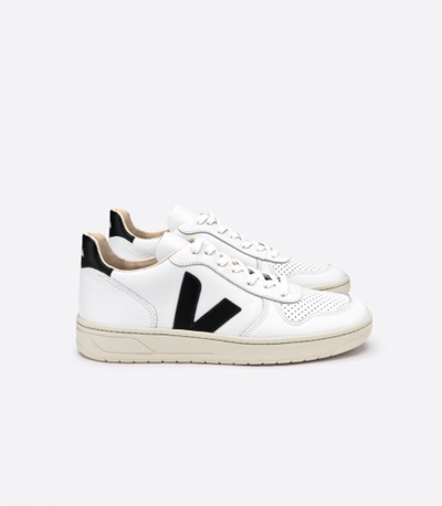 VEJA sneakers_V10 leather white/black men_side view