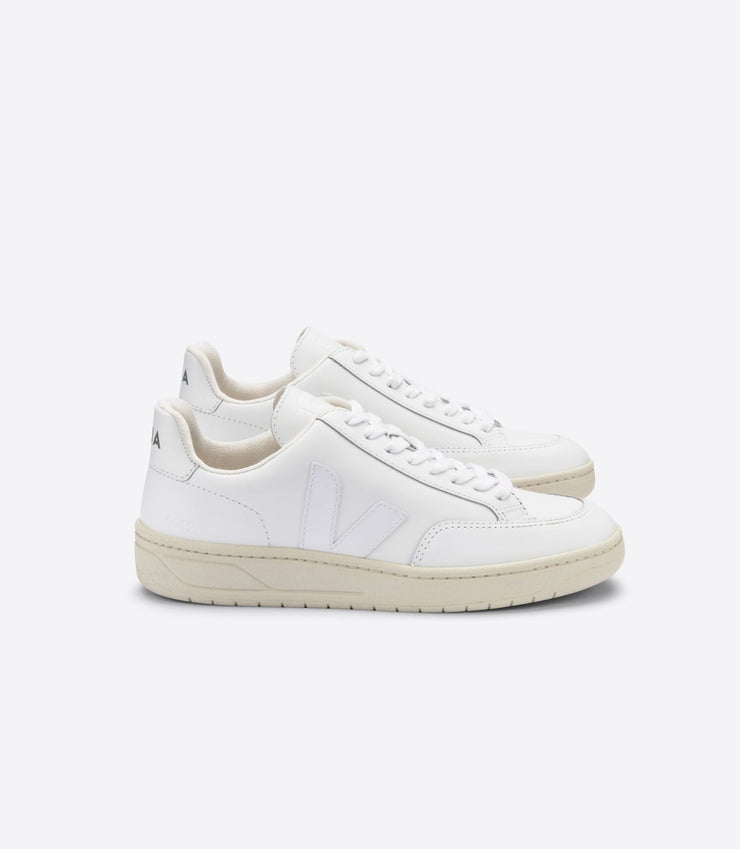 VEJA sneakers_V12 leather white_side view
