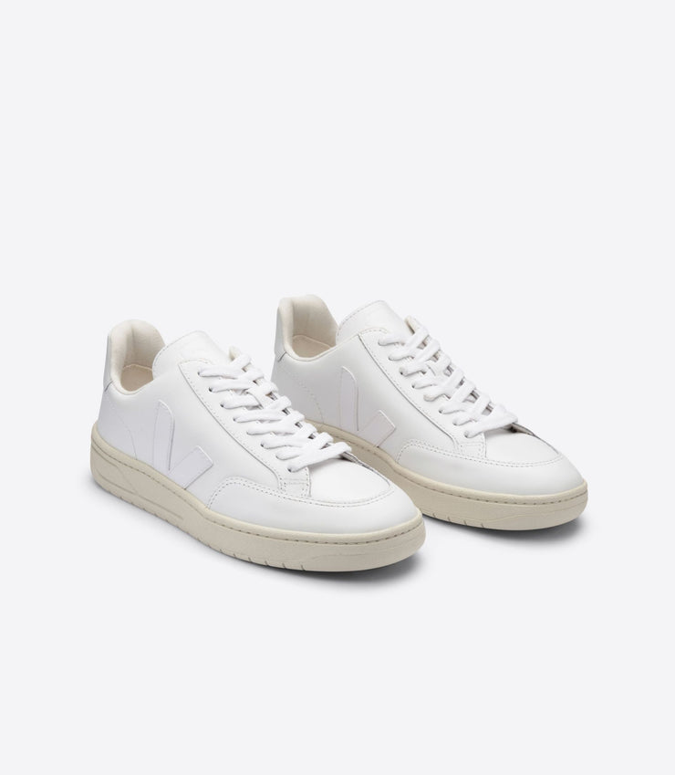 VEJA sneakers_V12 leather white_front view
